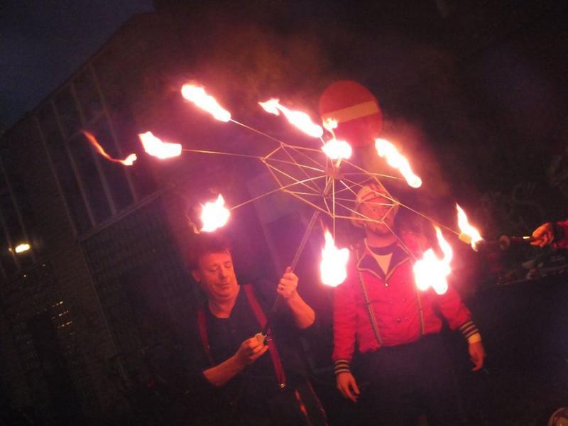 Rene Hildesheim circus met vuur